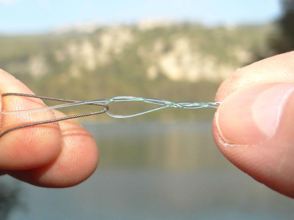 Noeud du chirurgien pour la pêche
